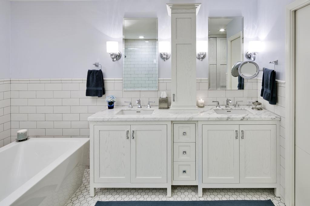 Bathroom Trends – White Bathrooms